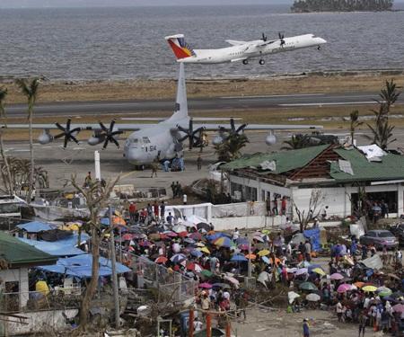 Trung Quốc tăng viện trợ cho Philippines sau khi bị quốc tế ném đá
