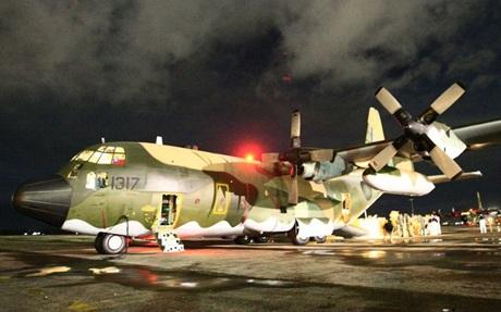 Thông điệp S.O.S kêu gọi cứu trợ khẩn cấp tại thị trấn ven biển Tanawan, miền trung Philippines.