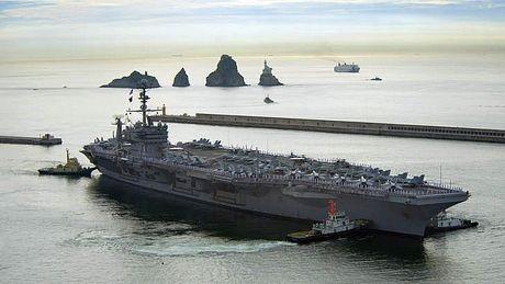 Tàu chiến, máy bay khắp thế giới rầm rập đổ về Philippines cứu trợ bão