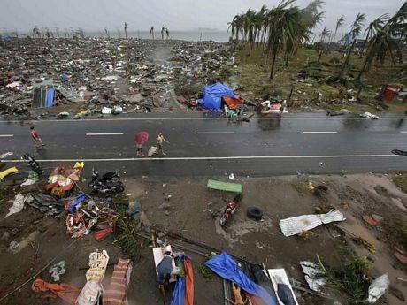 Thi thể các nạn nhân có thể nằm lẫn trong đống đổ của các ngôi nhà bị quật đổ.