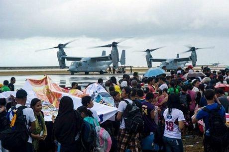 Các trực thăng Osprey của Mỹ được sử dụng để sơ tán người dân.