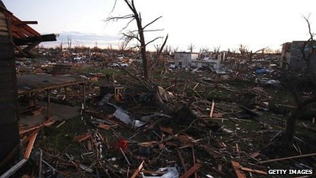 Một góc thành phố Washington, bang Illinois bị tàn phá bởi lốc xoáy.