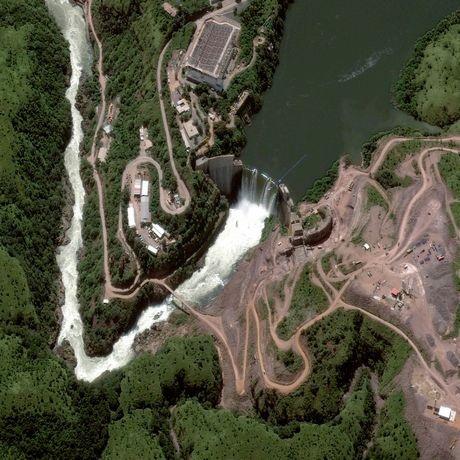 Đập Cambambe trên sông Cuanzaở Angola.