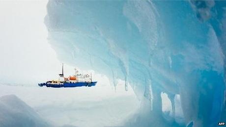 Tàu Akademik Shokalskiybị kẹt tại Nam Cực.
