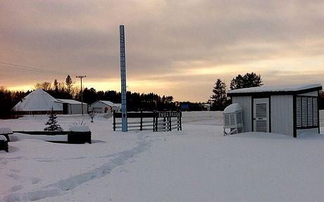 Tuyếtrơi dày tại thị trấnEmbarrass, bang Wisconsin.