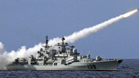 Tàu chiến Trung Quốc trong một cuộc tập trận