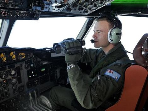 Một phi công Úc tham gia cuộc tìm kiếm mảnh vỡ MH370 ở Ấn Độ Dương ngày 21/32.