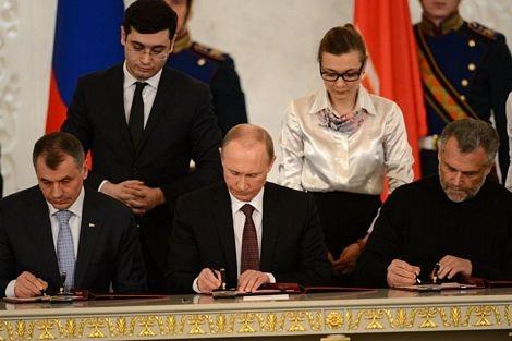 Hầu hết cử tri Crimea hôm 16/3 đã bỏ phiếu ủng hộ việc tách khỏi Ukraine và gia nhập Nga.