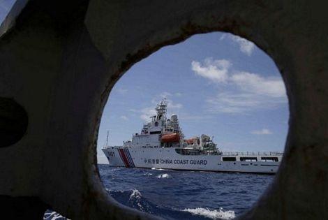 Cuộc rượt đuổi giữa tàu Philippines và tàu Trung Quốc