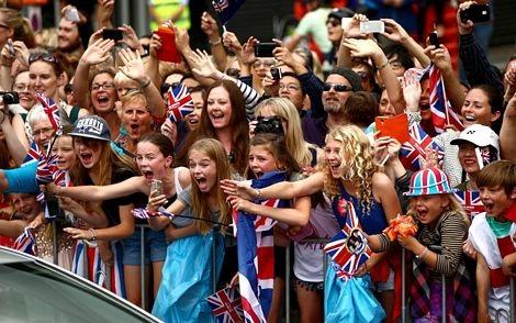 Người dân thành phố Auckland phấn khích khi gặp gỡ vợ chồng Hoàng tử William.