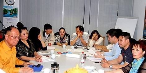 Cộng đồng người Việt tại Đức nhóm họp bàn về việc chuẩn bị cho buổi tuần hành