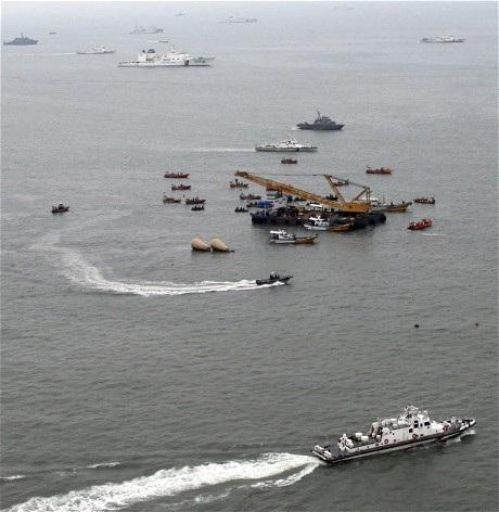 Hiện trường vụ chìm phà Sewol ở ngoài khơi tây nam Hàn Quốc.