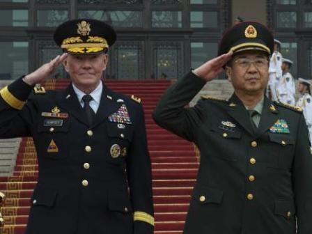 Tàu chiến Mỹ, Trung suýt va chạm trên biển Đông.