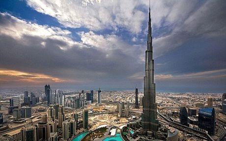 Dubai hiện đang sở hữu tòa nhà cao nhất thế giới, Burj Khalifa, cao 818 m.