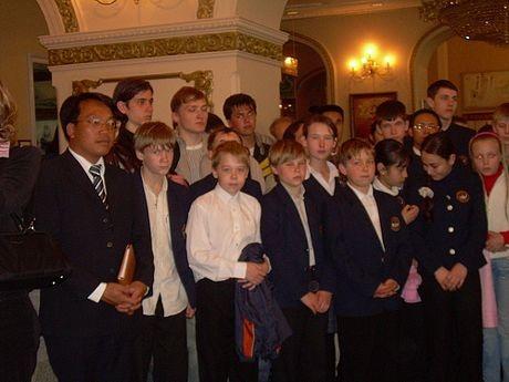 Nhiều thế hệ người Nga tới dự buổi lễ.