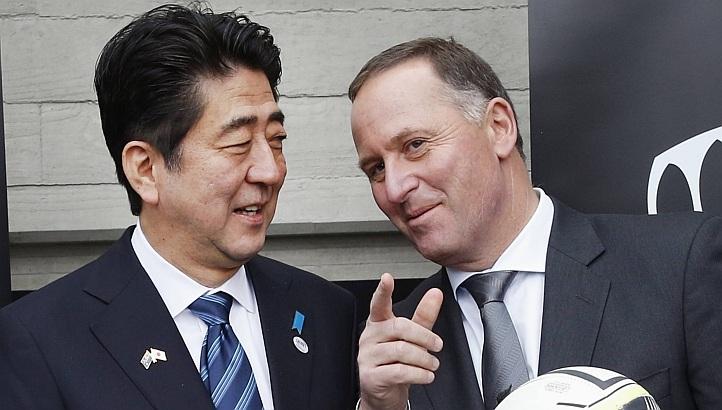 Thủ tướng Nhật Shinzo Abe và người đồng cấp New Zealand John Key tại Auckland ngày 7/7.