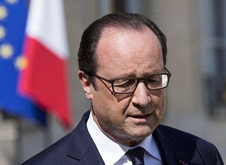 Tổng thống Pháp Francois Hollande cho biết 2 hộp đen máy bay đã được tìm thấy.