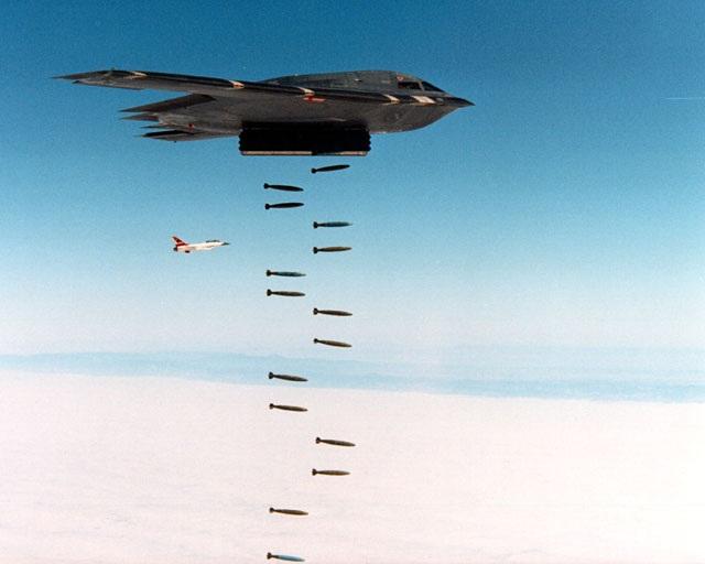 Máy bay ném bom B-2.