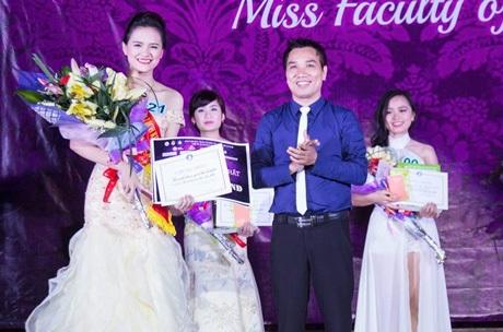 Ngoài ngôi vị Hoa khôi, nữ sinh năm thứ nhất khoa Luật còn giành giải Thí sinh được yêu thích nhất.