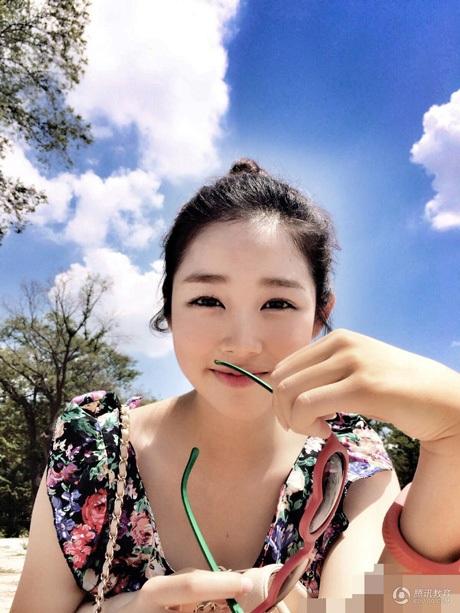Vẻ xinh đẹp của Lee Hyun Zhen.