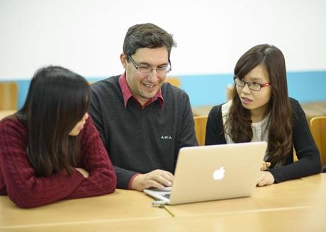 Học viên CFVG MBA học nhóm.