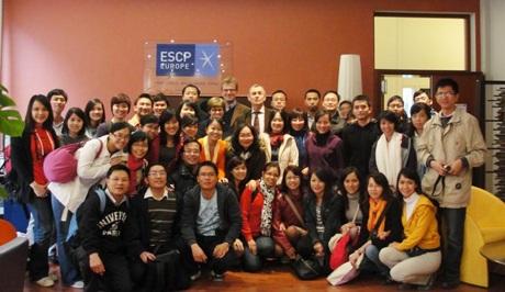 Học viên CFVG MEBF tại trường ESCP Europe, Paris