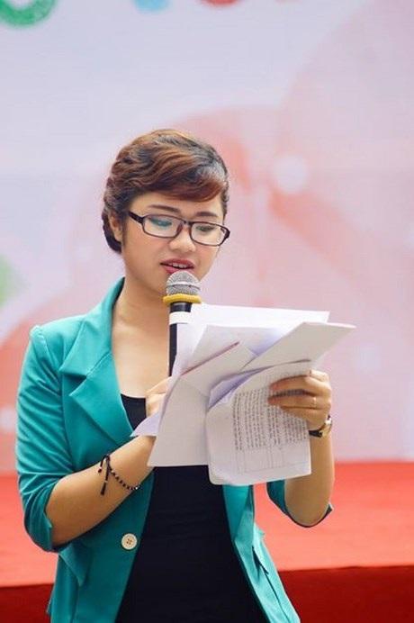 Huyền Trang đảm nhận nhiều vị trí trong BCH Đoàn trường ở ĐH Ngoại ngữ.