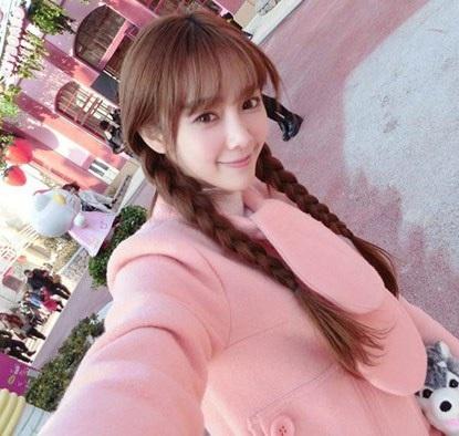 Hiện nay, tài khoản weibo của Vũ Gia thu hút hàng chục ngàn người theo dõi mỗi ngày.