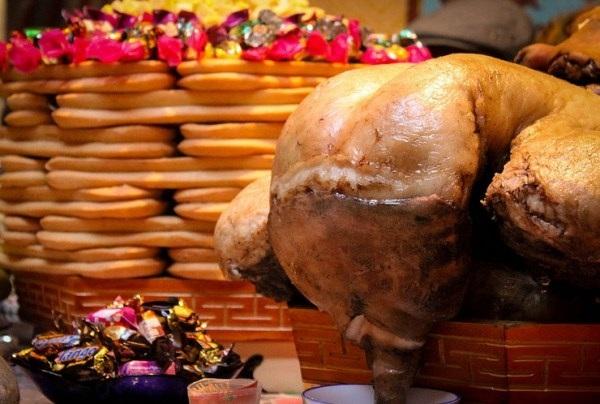 """Ở xứ sở nổi tiếng là """"cừu đông hơn người"""", thịt cừu có lẽ là món ăn không thể thiếu dịp Tết?"""