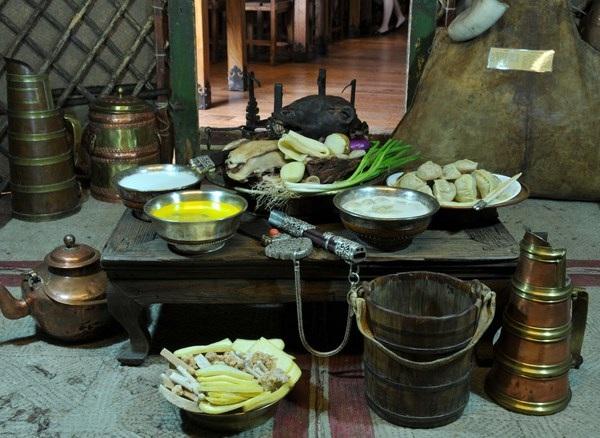 Ẩm thực truyền thống trong mâm cỗ ngày Tết tại Mông Cổ.