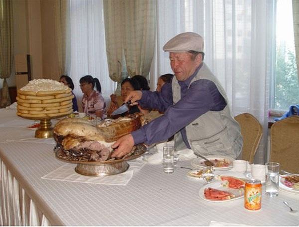 Trần Thìn – Bí thư Đoàn sinh viên Việt Nam tại Mông Cổ.