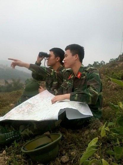 Quang Vinh sát cánh cùng bạn bè trong những ngày trực Tết