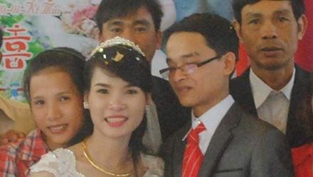 Tuấn và Hải Yến hạnh phúc trong đám cưới