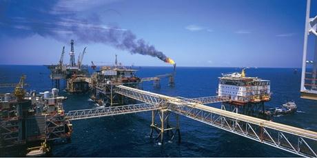 Biểu đồ cho thấy sự đóng góp của ngành dầu khí cho thị trường xuất khẩu cả nước.