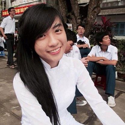 Trương Huỳnh Ngân, cô gái xinh đẹp có nụ cười tỏa nắng