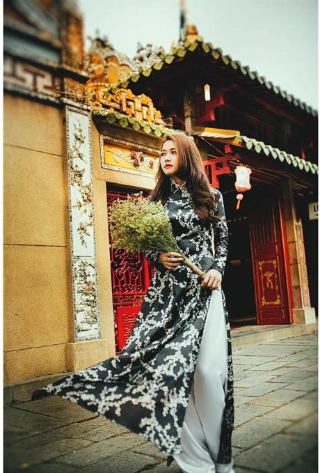 Nhung Gumiho cũng từng tham gia đóng MV ca nhạc cùng nhiều ca sỹ nổi tiếng