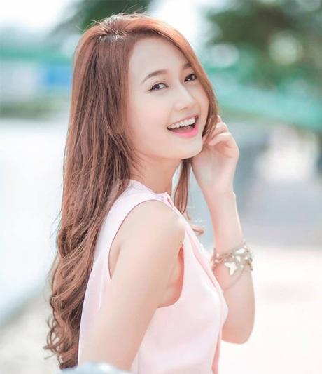 Nụ cười xinh tươi của hot girl Sài thành