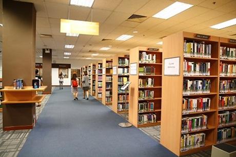Tay Eng Soon – một trong hai thư viện quản lý lớn nhất Singapore