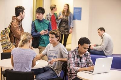Sinh viên được hỗ trợ tối đa để phát huy khả năng của mình