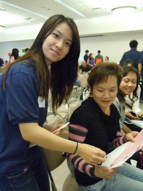 Tình nguyện tại Health Fair, quận Cam, California.