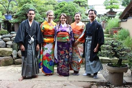 Cùng các bạn nghiên cứu đợt hè ở Nhật…