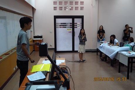 Vũ chứng tỏ khả năng nhớ siêu phàm của mình trước Hội đồng tại Thái Lan.
