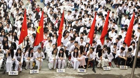 Toàn cảnh lễ bế giảng trường THPT Việt Đức