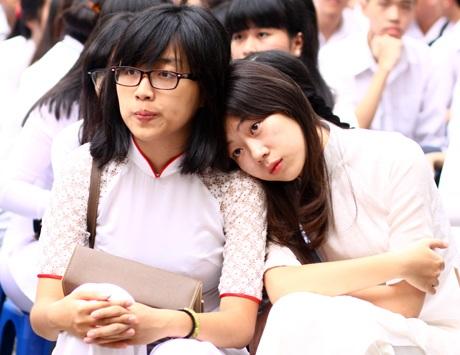 Bồi hồilắng nghe lời chia tay mái trường của cô giáo