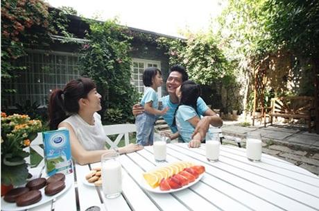 20 phút cùng nhau ăn sáng và trò chuyện vui vẻ của gia đình Bình Minh