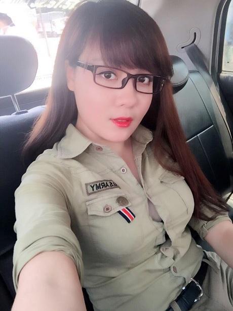 Hà My là cựu học sinh Trường THPT Chuyên ngoại ngữ, ĐHQG Hà Nội