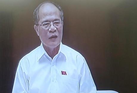 Chủ tịch Quốc hội Nguyễn Sinh Hùng tổng kết phần trả lời chất vấn của Bộ trưởng Phạm Vũ Luận.