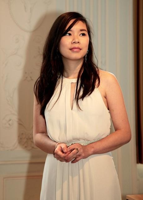 Nguyễn Hà Hạnh - nữ sinh2 lần giành học bổng toàn phầntại Hà Lan và Anh.