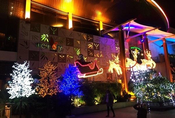 Sắc màu Noel trên đường phố Đà Nẵng