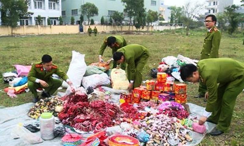 Lực lượng Công an tỉnh Thái Bình tiêu hủy hơn 300 kg pháo Trung Quốc các loại